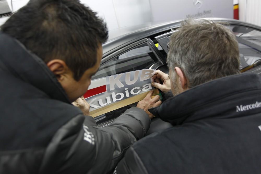 Kubica tests Merc DTM car - photo gallery (3/6)