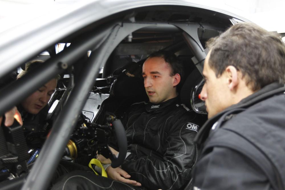 Kubica tests Merc DTM car - photo gallery (4/6)