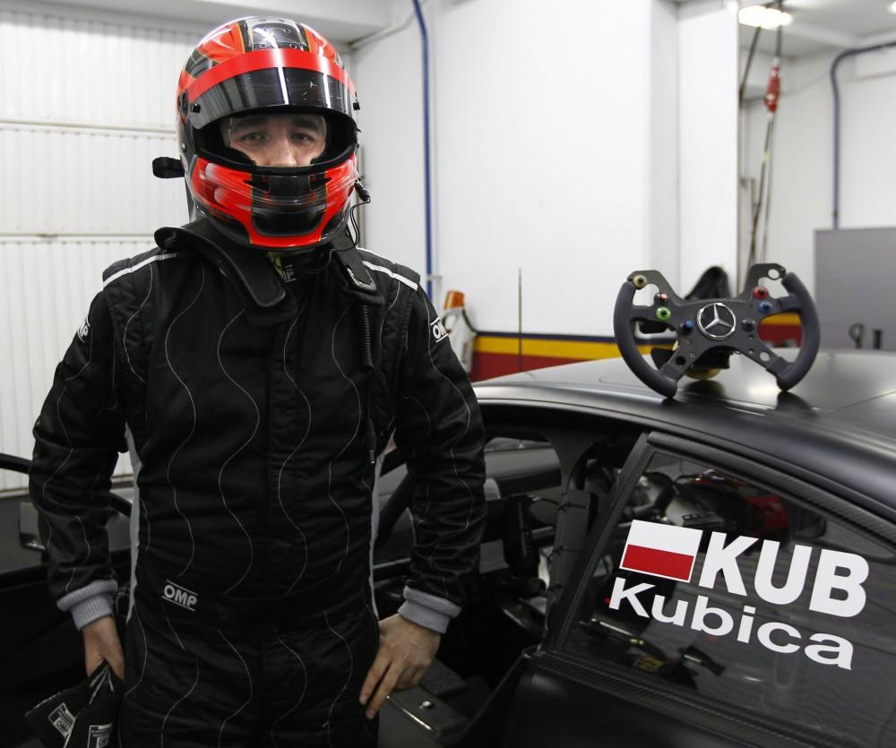 Kubica tests Merc DTM car - photo gallery (5/6)