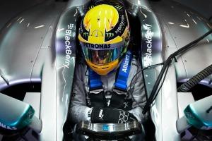 2013-6-29_Hamilton Silverstone cockpit garage