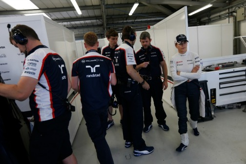 Susie Wolff in the Williams pit garage © Williams F1