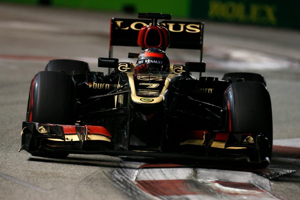 Räikkönen előzése Button ellen a 2013-as Szingapúri Nagydíjon