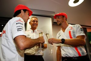 McLaren's Martin Whitmarsh shares a drink with Sergio Perez and Jenson Button (Image: McLaren)