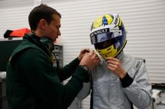 Marcus Ericsson prepares to drive the Caterham CT05 (Andrew Ferraro/LAT Photographic)