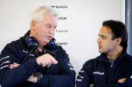 Felipe Massa talks to Pat Symonds, Williams F1 Chief Technical Officer (Image: Williams F1 Team)