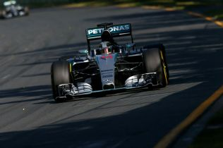 Lewis Hamilton on his way to victory in Australia, 2015 (Image: Mercedes AMG F1)
